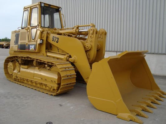 Used and New Crawler Loaders For Sale - MachineryZone